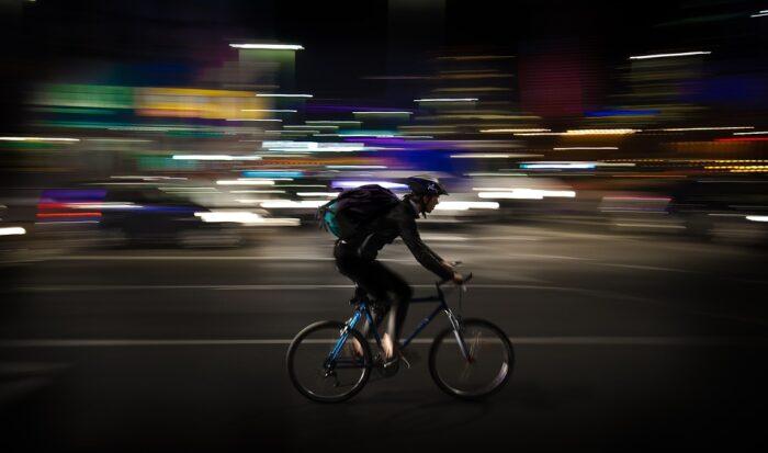 Devenir livreur de repas indépendant ( coursier à vélo ) et ouvrir un compte dans une néobanque
